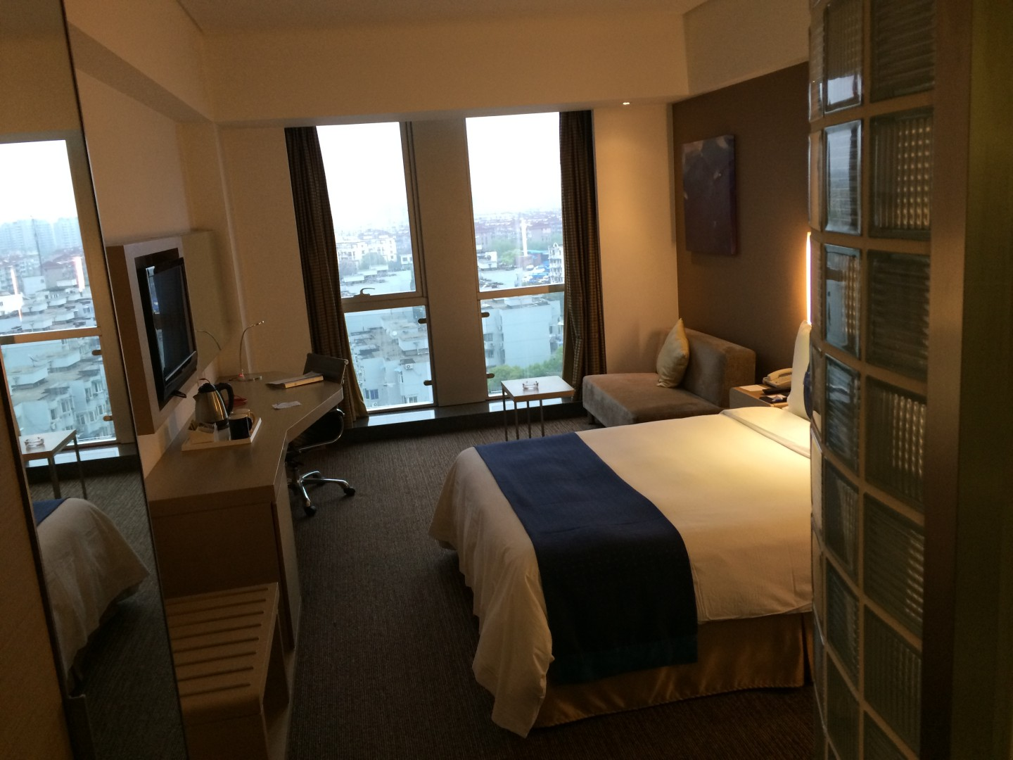 This Holiday Inn Express in Shanghai was still nice enough for me.